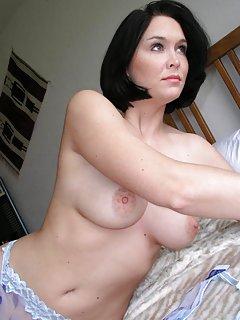 Amateur Moms Porn