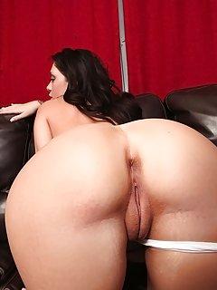 Moms Ass Porn