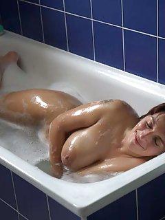 Moms Bath Porn